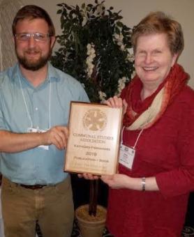 Kathleen Fernandez wins Award